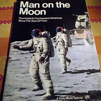 1969-moon landing-usa-nasa-'daily mirror' special. - Books