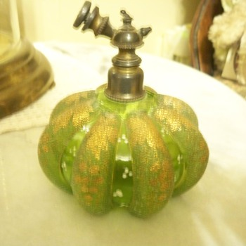 Melon shaped Victorian perfume bottle - Bottles