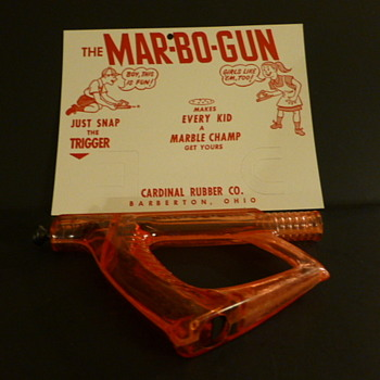 MAR-BO-GUN marble shooter by Cardinal Rubber Company, early 1950s - Toys