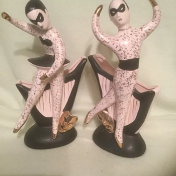 Recent MCM figurines are they Hedi Schoop? - Pottery