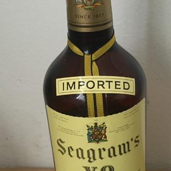 1958 Mint Seagrams VO Canadian Whisky 4/5 Quart Bottle