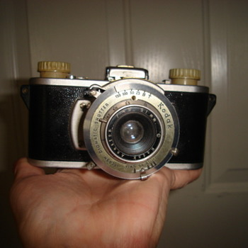 35 mm Kodak combat camera - Cameras