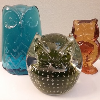 West Virginia glass owl trio  - Art Glass