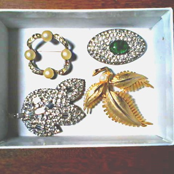 Box O' Brooches / Faux Pearls and Rhinestones / Circa Mid 20th Century - Costume Jewelry
