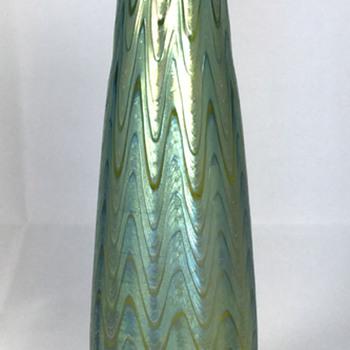 "Loetz Creta ""Phänomen Genre 6893"" Vase. 7.75"" tall. Circa 1898 - Art Glass"