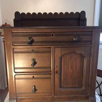 Primitive Pine Dry Sink/Safe? Primitive nails or Repros?  - Furniture