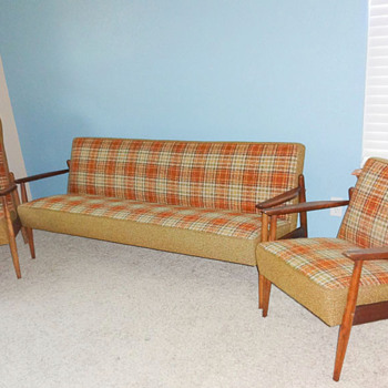 Mid Century Modern complete living room set with original uphosltery! Couch & 2 chairs!  - Mid-Century Modern