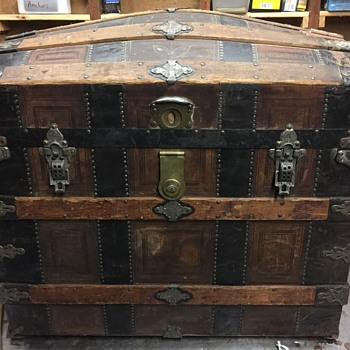 Leather covered trunk - Furniture