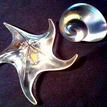 Seashore Paperweights / Satin Starfish and Iridized Nautilus / Circa 20th Century - Art Glass