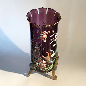 Harrach Aesthetic Period Amethyst Enameled Lizard Vase - Art Glass