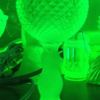 Depression glass lamp. - Lamps