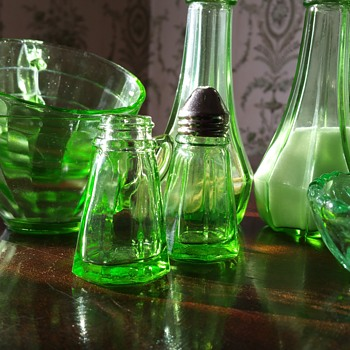 Uranium Hazel Atlas salt and pepper shakers - Glassware
