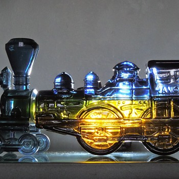 "Avon Wild Country Aftershave Cologne Bottle Decanter ""The General"" 4-4-0 Engine Locomotive Train Glass Collectible - Bottles"