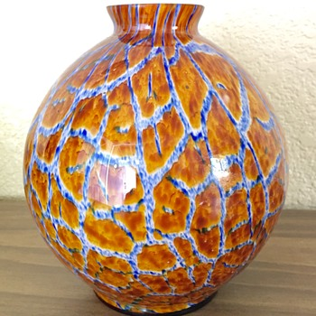 Kralik - (a different) Giraffe powder pattern  - Art Glass