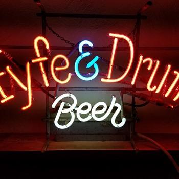 Fyfe & Drum neon - Signs