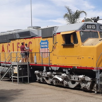 RailGiants Union Pacific Centennial EMD DDA40X Worlds Largest Diesel Locomotive - Railroadiana