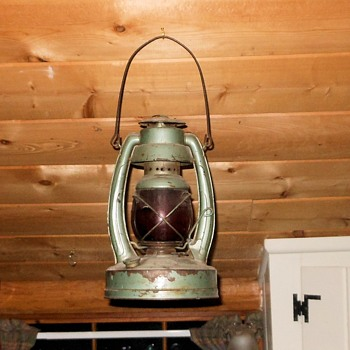 DEmbury Lantern No 350 Little Air Giant - Sporting Goods