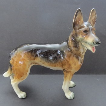 Goebel German Shepherd Dog - Figurines
