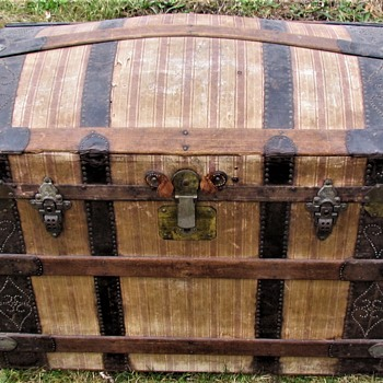 "1870's 36"" Canvas Fancy Nail Barrel Stave Trunk - Furniture"