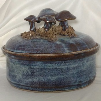The Spring Street Pottery Lidded Mushroom Crock Signed Gary Eagan 1975 - Pottery