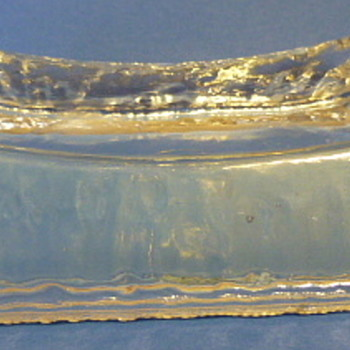 L E Smith soap dish - Art Glass