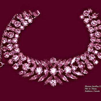 Rare Art Deco Pink Sherman Bracelet Circa 1950's - Costume Jewelry