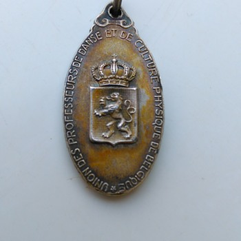 Early Belgian Union Of Professional Dancers Silver Pendant Thrift Shop Find 25 CENTS - Medals Pins and Badges