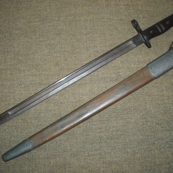 US Model 1917 Enfield Bayonet - Military and Wartime