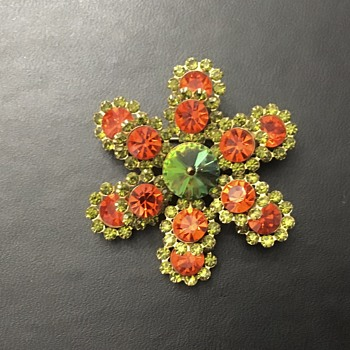 Unmarked brooch - Costume Jewelry
