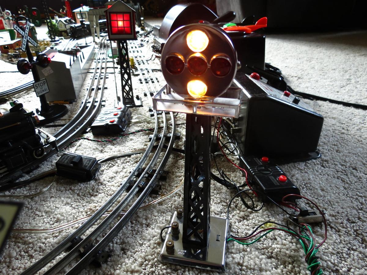 Marx Train 1404 Five-Light Remote control Block signal, Prewar on train seats, train engine diagrams, train suspension, train parts, train horn diagrams, train drawings, train battery,