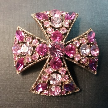 Regency Maltese Cross brooch  - Costume Jewelry
