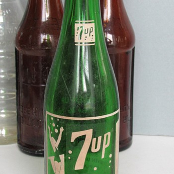 """Vintage 7 UP """"Fresh Up"""" Soda Bottle - Bottles"""