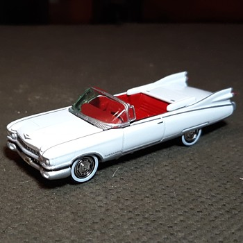 Johnny Lightning 1/64 Scale Cadillac Eldorado Convertible   - Model Cars