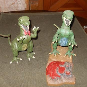 Aurora Prehistoric Scenes Alosaurus Kits - Toys