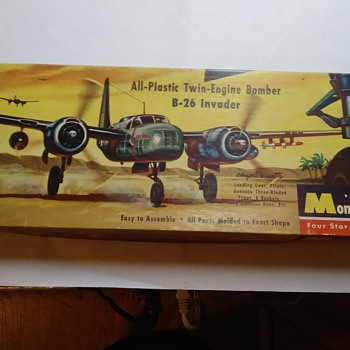 Monogram B-26 Invader - Model Cars