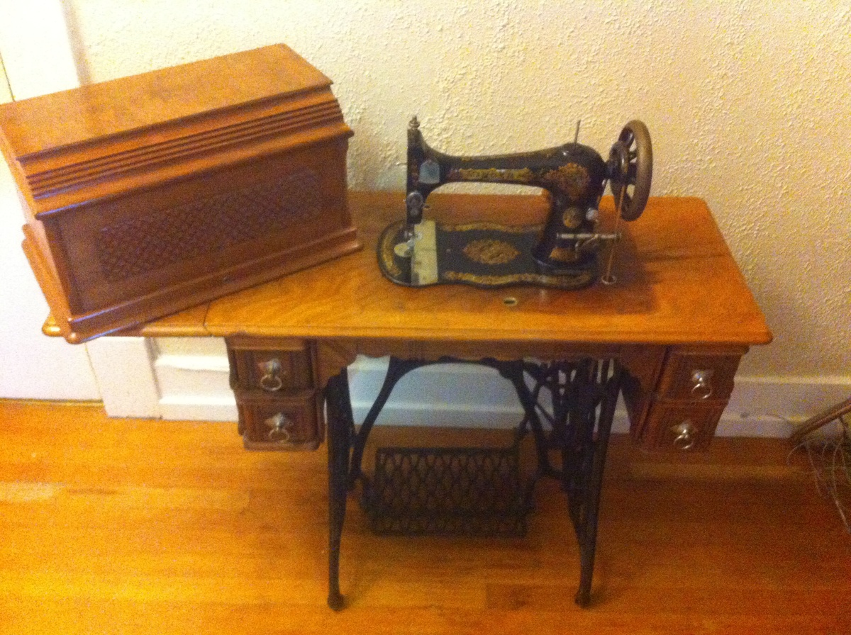 & Antique singer treadle 1889. Vs2 | Collectors Weekly Aboutintivar.Com