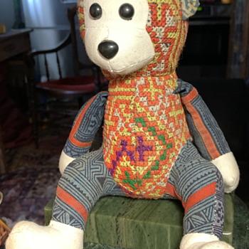 Hey! Hey!  We're the Hmongkeys! - Folk Art