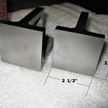 Pair of small angle plates - Tools and Hardware