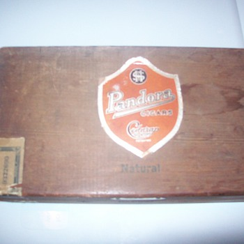 Cigar box - Tobacciana