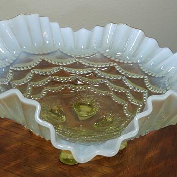 Vaseline Bowl - Glassware