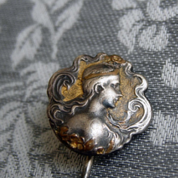 Pin Brooch on lady! Can you help me ?