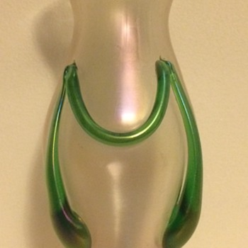 Kralik swagged tadpole iridescent satin or soie de verre vase