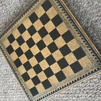 Chess set - help needed!  - Games