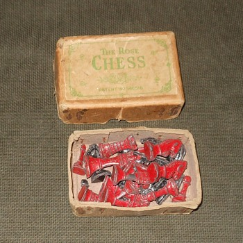 The Rose Chess Set Made in England Early 1940s - Games