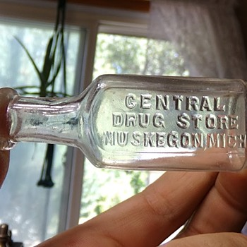 Circa 1880s Tiny Druggist - Bottles