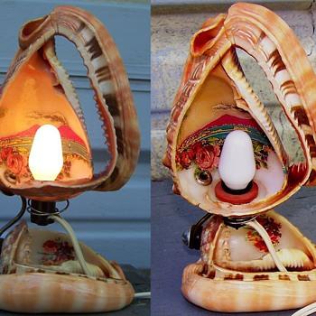Vintage Sea Shell Tourist Souvenir Lamp  - Lamps