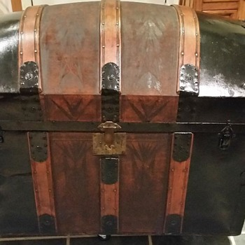 1880's Barrel Top Leather Trunk - Furniture