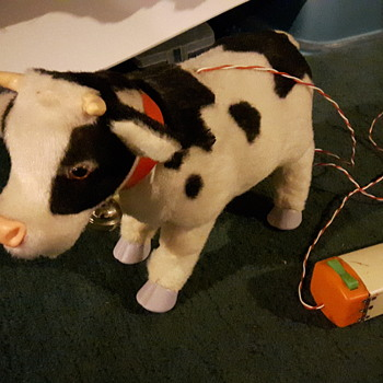 Rock Valley Toys Japan. Battery operated Cow