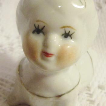 Odd little figurine - Figurines