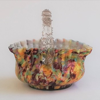 Large Oval Basket in a Classic Welz Décor - Art Glass